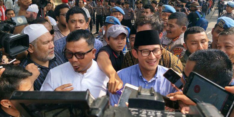 Sandiaga Uno saat tiba di gedung KPU untuk mendaftar sebagai calon wakil presiden, Jumat (10/8/2018).