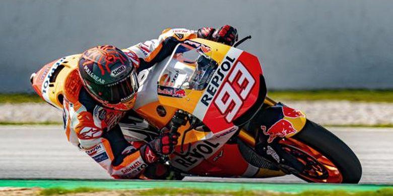 Pada Selasa (16/3/2021), Marc Marquez menjajal Sirkuit Barcelona-Catalunya menaiki motor Honda RC213V-S, motor jalanan yang terinspirasi oleh tunggangannya di dunia MotoGP.
