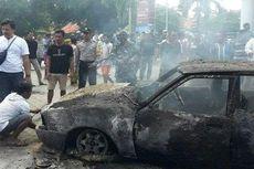 Detik-detik Mobil Mazda Terbakar dan Meledak, Berawal Isi BBM, Sempat Didorong 10 Meter