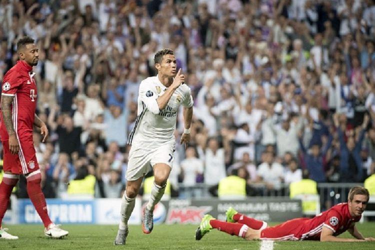 Cristiano Ronaldo merayakan gol pertamanya ke gawang Bayern Muenchen pada pertandingan perempat final kedua Liga Champions antara Real Madrid dan Bayern Muenchen di Stadion Santiago Bernabeu, Rabu (18/4/2017).
