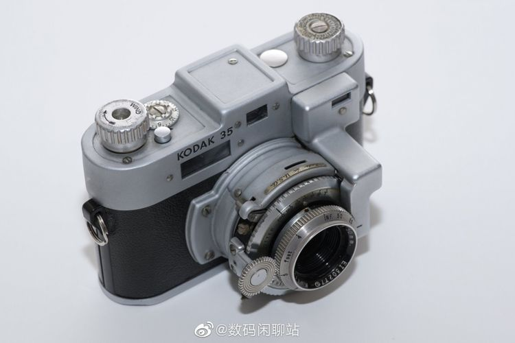 Kamera klasik Kodak yang diunggah oleh akun Digital Chat Station di Weibo.