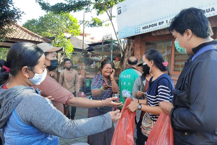 Gerakan bantu warga di Bali yang digagas oleh anak-anak muda