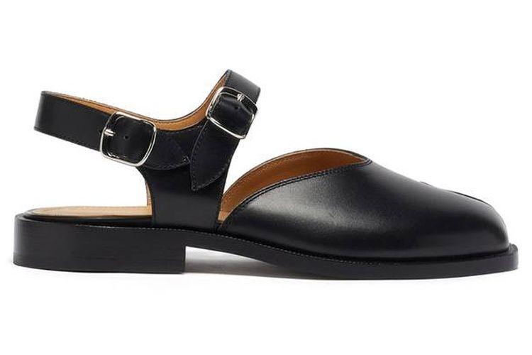 Koleksi sepatu sandal terbaru dari Maison Margiela