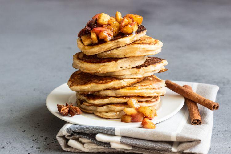 Ilustrasi pancake apel.