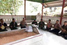 Menerobos Hutan Menuju Makam Pahlawan Nasional Cut Meutia