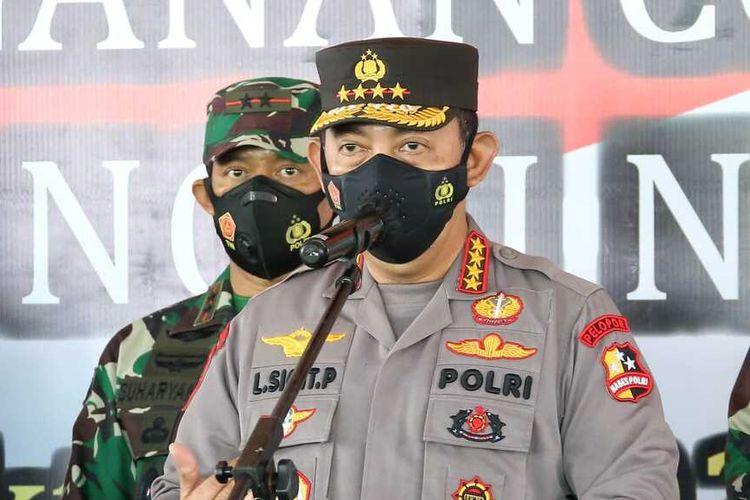 Kapolri Jenderal Listyo Sigit Prabowo Saat Melakukan Kunjungan Serbuan Vaksinasi di Banyuwangi, Kamis (14/10/2021).