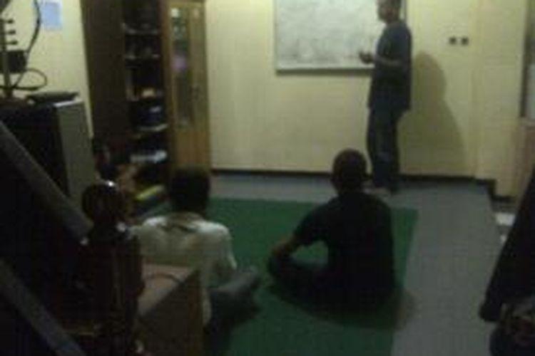 Forum materi bahaya Napza di Rumah Sehat Orbit Surabaya.