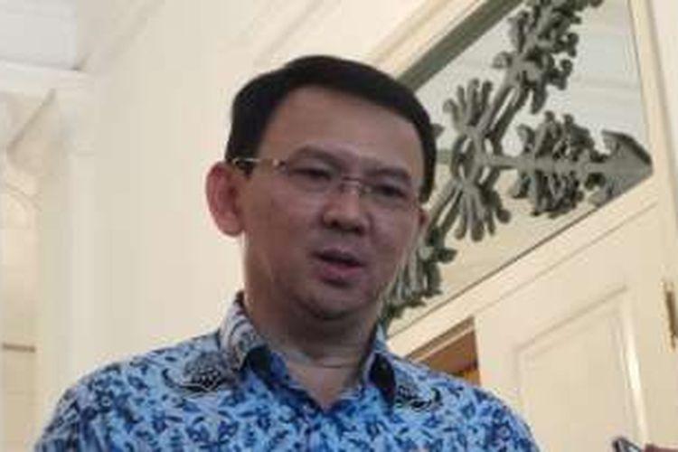 Gubernur DKI Jakarta Basuki Tjahaja Purnama atau Ahok saat wawancara bersama wartawan, di Balai Kota DKI Jakarta, Senin (3/10/2016).
