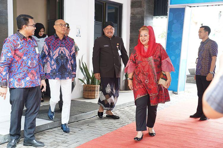 Wakil Walikota Semarang Menghadiri Peresmian SPKLU (Stasiun Pengisisan Kendaraan Listrik Umum) di Kantor PT PLN.