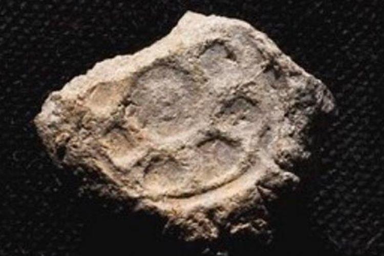 Segel tanah liat ini berasal dari Zaman Batu dan diduga mempunyai hubungan dengan keberadaan Raja Daud dan Salomo.