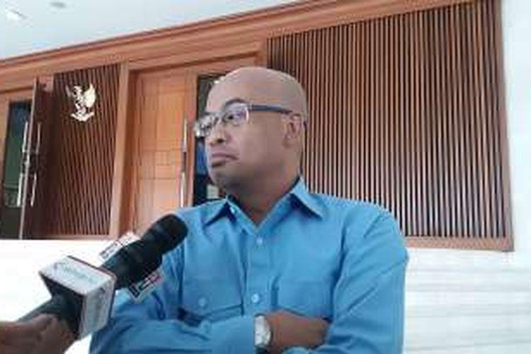 Wakil Ketua Komisi III Desmond Junaidi Mahesa di Kompleks Parlemen, Senayan, Jakarta, Kamis (27/10/2016)