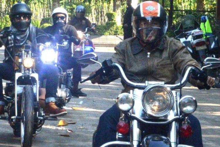 Beberapa biker peserta HUT Harley Davidson Club Indonesia (HDCI) Kedu, di Candi Borobudur, Kabupaten Magelang, Jawa Tengah, pada 29-31 Juli 2016.