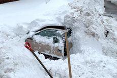 Terjebak dalam Mobil yang Tertimbun Salju, Tunawisma Ini Selamat