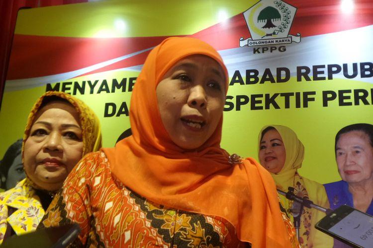 Menteri Sosial Khofifah Indar Parawansa seusai menghadiri workshop KPPG di Hotel Sultan, Senayan, Jakarta, Jumat (25/8/2017).