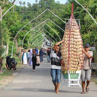 Salah satu kegiatan warga desa Bongo saat memperingati Maulid Nabi. Desa ini memiliki potensi wisata yang menarik.