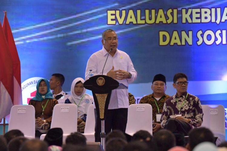 Menteri Desa, Pembangunan Daerah Tertinggal dan Transmigrasi, Eko Putro Sandjojo mengevaluasi Kebijakan Pembangunan dan Pemberdayaan Masyarakat Desa dan Sosialisasi Prioritas Penggunaan Dana Desa tahun 2019 di Kota Palembang, Minggu (25/11/2018).