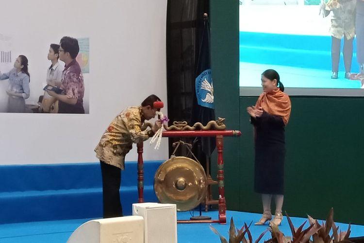 Dirjen Pendidikan Dasar dan Menengah Hamid Muhammad dan Dewan Pembina Tanoto Foundation, Belinda Tanoto meluncurkan program PINTAR di Kantor Kemendikbud, Jakarta, Jumat (28/9/2018)