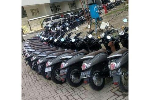 Viral Scoopy Abu-abu Berjajar Rapi di Parkiran Ahmad Dahlan, Ini Faktanya...