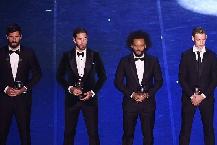 Alisson Becker, Sergio Ramos, Marcelo, dan Frenkie De Jong merupakan sejumlah pemain yang masuk daftar FIFA FIFPro Mens Word 11 pada ajang The Best FIFA Football Awards 2019 di Milan, 23 September 2019.