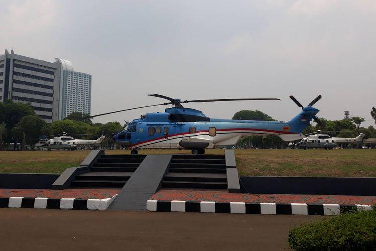 Tiga helikopter disiagakan di Gedung DPR/MPR RI, jelang pelantikan Presiden dan Wakil Presiden, Minggu (20/10/2019) siang.