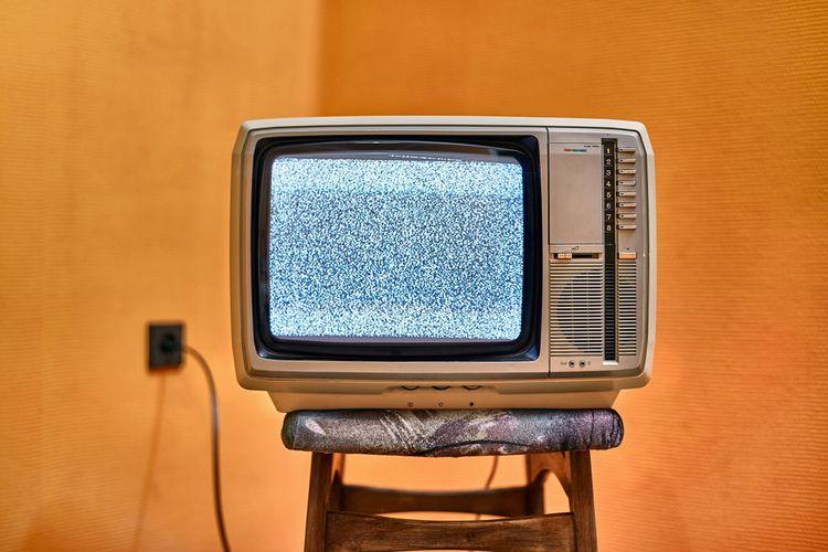 Pola semut acak di TV yang menandakan tidak ada sinyal, rupanya adalah bukti nyata keberadaan Big Bang.