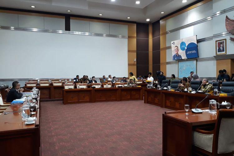 Rapat Komisi I DPR dengan eks Dirut TVRI Helmy Yahya di Kompleks Parlemen, Senayan, Jakarta, Selasa (28/1/2020).