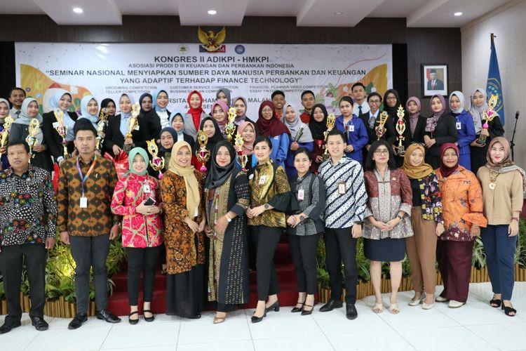 Pemilihan kepengurusan baru ADIKPI dan penandatanganan MOU. Pada pergantian pengurus tersebut terpilih Dede Suryanto, Ketua Program Studi Adm. Keuangan dan Perbankan Vokasi UI sebagai Ketua Umum ADIKPI periode 2019-2021.