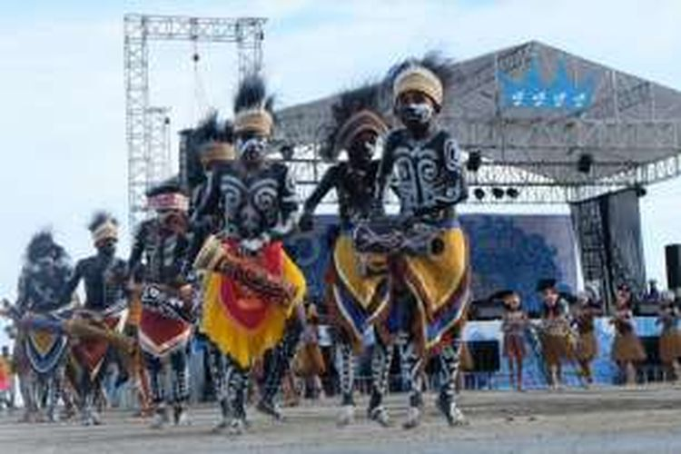 Pembukaan Festival Lovely Raja Ampat 2016,