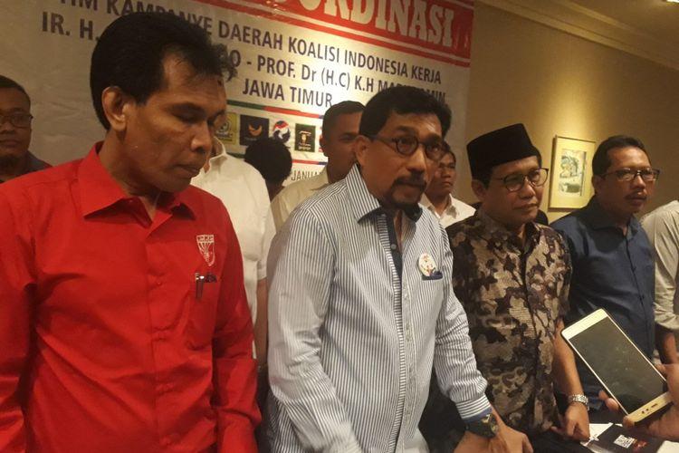 Ketua Tim Pemenangan Daerah Jokowi-Maruf Amin Jawa Timur, Machfud Arifin (tengah)