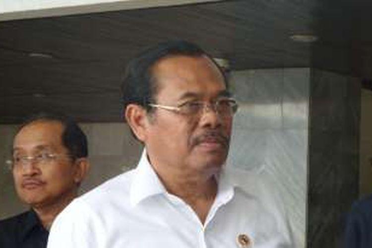 Jaksa Agung Muhammad Prasetyo di Kompleks Parlemen, Senayan, Jakarta, Selasa (6/12/2016)
