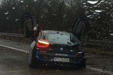 BMW i8 Kecelakaan saat