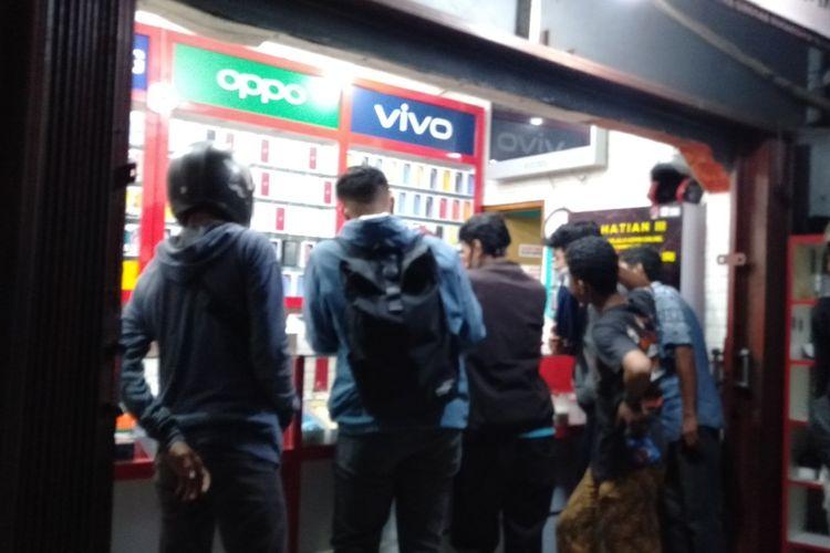 PS store di Jalan Raya Condet , Kramat Jati, Jakarta Timur, Selasa (28/7/2020)