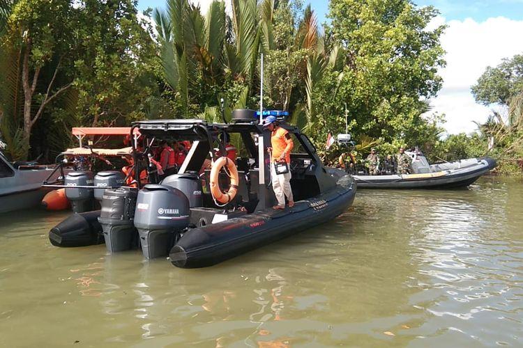 Tim SAR Gabungan Polda Kaltara saat melakukan evakuasi jenazah alm Bharatu Doni Budi Santoso (dok Ditpolair Polda Kaltara)