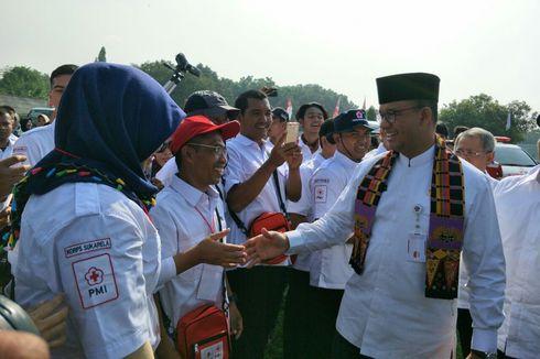 Sorak-sorai Sukarelawan PMI Saat Disanjung Anies Lewat Pantun...