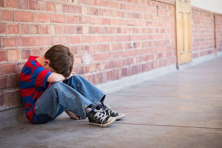 Ilustrasi dampak buruk membandingkan anak dengan orang lain.
