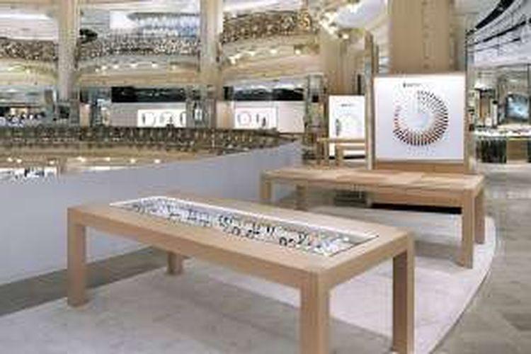 Toko Apple Watch di Galeries Lafayette, Paris, Perancis.