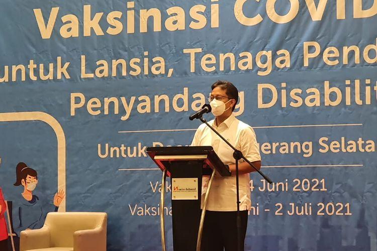 Menteri Kesehatan RI Budi Gunadi Sadikit saat meninjau pelaksaan vaksinasi di wilayah Tangerang Selatan, Rabu (2/5/2021).