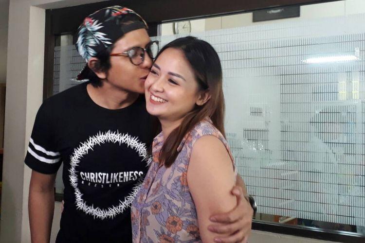 Joanna Alexandra dan sang suami Raditya Oloan di RSIA Bunda, Menteng, Jakarta Pusat, Selasa (30/5/2017).