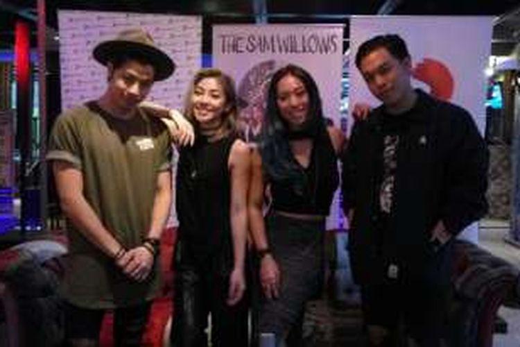 Band dari Singapura The Sam Willows mempromosikan single baru mereka, Take Heart, di Bandung pada Rabu (24/8/2016).