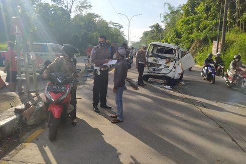 Truk dan Mobil Tabrakan, Relawan Penyeberang Jalan Jadi Korban
