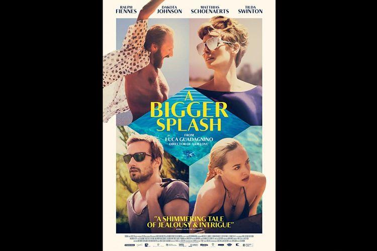 Ralph Fiennes, Dakota Johnson, Matthias Schoenaerts, dan Tilda Swinton dalam film psikologi drama A Bigger Splash (2015).