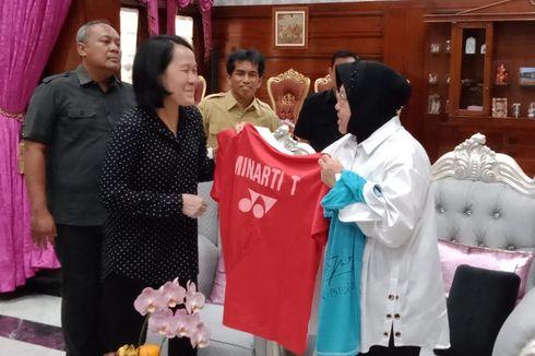 Sumbangkan Jersey dan Raket Olimpiade untuk Museum Olahraga Surabaya, Ini Harapan Minarti Timur