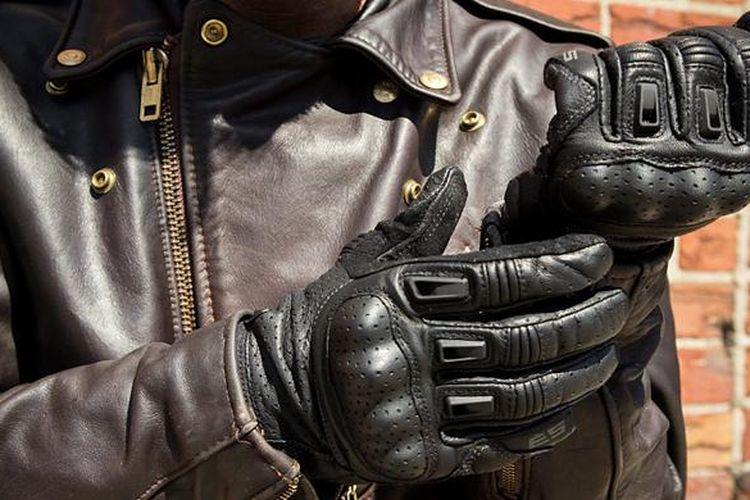 Pilih sarung tangan yang aman dan nyaman digunakan.