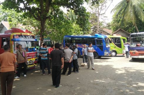 Protes Bus Trans Jateng, Puluhan Awak Mikrobus di Purbalingga Mogok Kerja