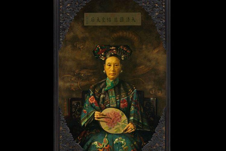 Lukisan yang menggambarkan Permaisuri Cixi ini karya Herbert Vos yang menjadi koleksi Harvard Art Museums. (Britannica)