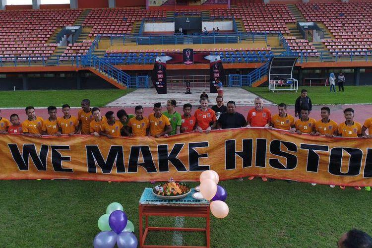 Perayaan ulang tahun Pusamania Borneo FC di Stadion Segiri Samarinda, Selasa (7/3/2017).
