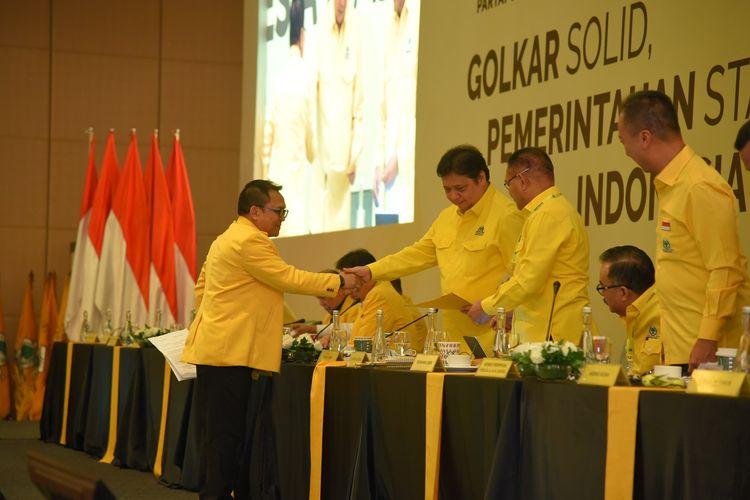 Sekretaris DPD DKI Jakarta, Basri Baco, mendukung Airlangga Hartarto untuk kembali memimpin Partai Golkar 2019-2024 dalam Rapimnas Partai Golkar, Kamis (14/11/2019).