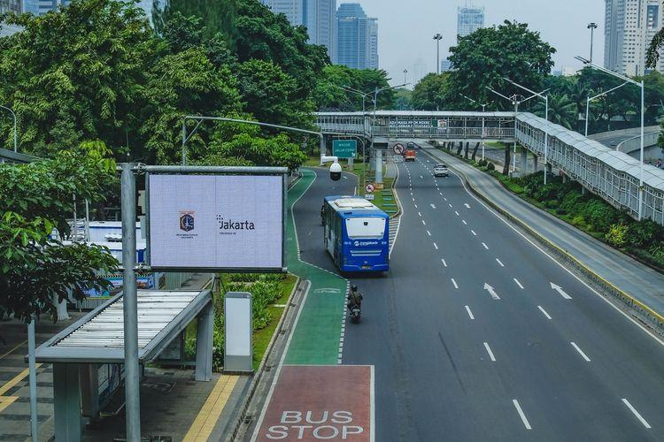 Ilustrasi halte di Jakarta.
