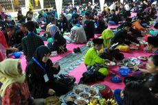 500 Anak Ikuti Tradisi Begibung di Mataram