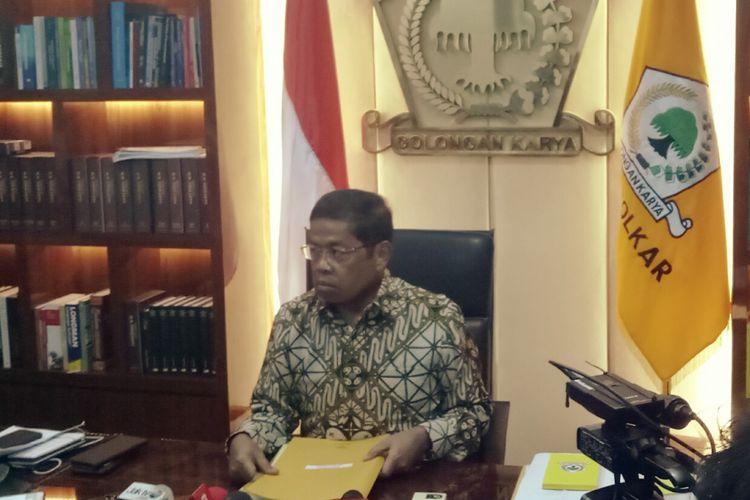 Sekjen Golkar Idrus Marham di Kantor DPP Golkar mengklarifikasi beredarnya surat pencalonan Ridwan Kamil dan Daniel Mutaqien atas nama DPP Golkar